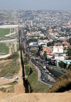 Hai bang của Mỹ đồng loạt triển khai lính vệ binh tới biên giới Mexico