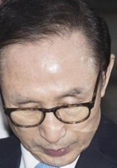 Cựu Tổng thống Hàn Quốc đối mặt với 16 tội danh