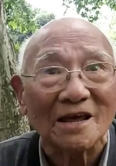 Ngưỡng mộ cụ ông bắt đầu học tiếng Anh ở tuổi 93