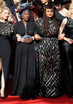 82 nữ diễn viên cùng nhịp bước tại LHP Cannes đòi quyền bình đẳng giới