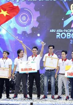 """""""Rồng bay"""" chỉ trong 22 giây, LH - ATM vô địch Robocon Việt Nam 2018"""