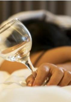 Rượu ảnh hưởng đến giấc ngủ như thế nào?