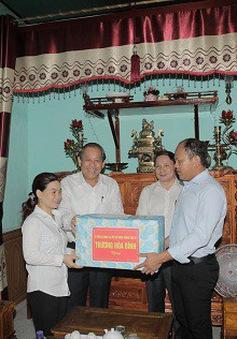 Phó Thủ tướng Thường trực Chính phủ thăm ngư dân Quảng Bình bị thiệt hại do sự cố môi trường biển