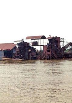 Ra quân truy quét cát tặc trên sông Hồng