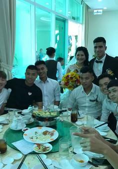 Sao Hoàng Anh Gia Lai hào hứng dự đám cưới đồng đội