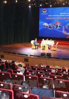Thủ tướng Nguyễn Xuân Phúc dự chương trình hưởng ứng Ngày truyền thống phòng chống thiên tai