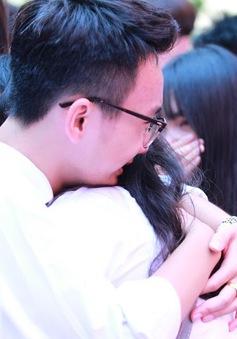 Học sinh lớp 12 Việt Đức bịn rịn chia tay tuổi học trò