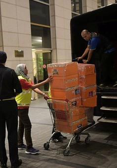 """Cảnh sát Malaysia đếm 3 ngày chưa hết """"núi tiền"""" trong nhà cựu Thủ tướng Najib Razak"""