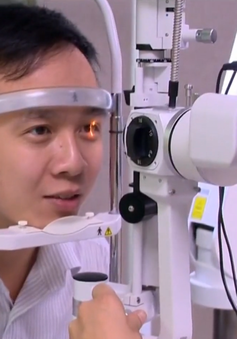 Tật khúc xạ mắt: Lựa chọn đeo kính hay phẫu thuật?