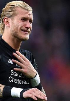 Sao Liverpool bị ném đá dữ dội vì để Karius khóc nức nở một mình
