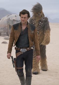 """""""Solo: A Star Wars Story"""" đứng đầu phòng vé Bắc Mỹ"""