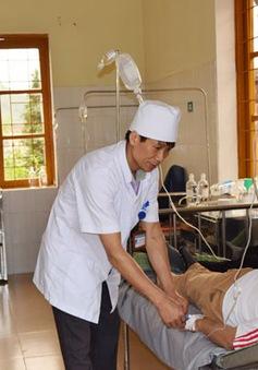 Lào Cai: 36 công nhân nhập viện nghi ngộ độc thực phẩm