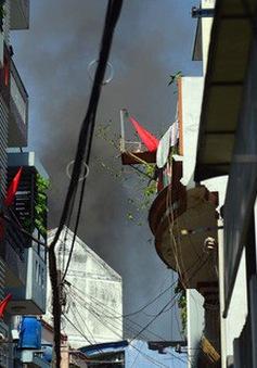 Ngôi nhà chứa vải vụn tại TP.HCM bốc cháy ngùn ngụt