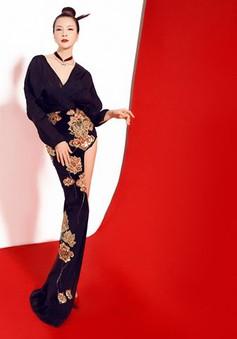 Khó rời mắt trước vẻ quyến rũ của MC Thanh Mai khi diện váy xẻ sâu