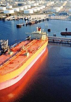 Giá dầu thế giới giảm hơn 4%