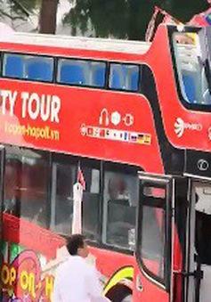 Hơn 60 du khách trải nghiệm xe bus 2 tầng ở Hà Nội trong ngày đầu hoạt động