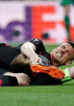 Thua Atletico Madrid, thủ quân Arsenal có thể chia tay cả World Cup 2018