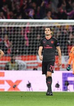 ẢNH: Thua Atletico Madrid, Arsenal và HLV Wenger chia tay Europa League đầy tiếc nuối
