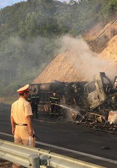 Gia Lai: Xe đầu kéo đâm nhau khiến ba người chết cháy