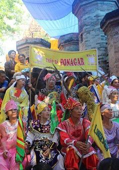 Khai mạc lễ hội Tháp Bà Ponagar 2018