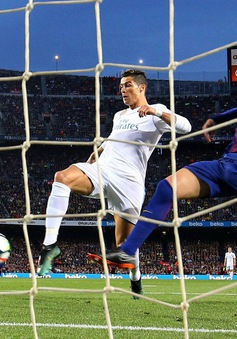 Đôi công hấp dẫn, Barcelona hòa Real trong trận Siêu kinh điển