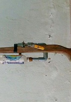 Một học sinh tử vong khi làm súng tự chế