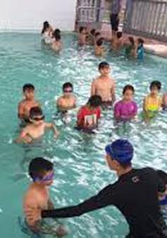 Tháng hành động vì trẻ em: Đắk Lắk tổ chức dạy bơi miễn phí cho 1.000 học sinh