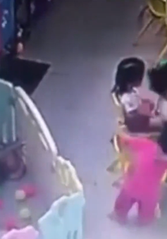 TP.HCM: Phụ huynh phát hiện cô giáo mầm non bạo hành trẻ qua camera gắn trong lớp học