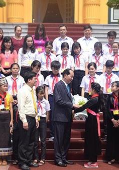 Chủ tịch nước gặp mặt đại biểu trẻ em có hoàn cảnh đặc biệt tiêu biểu toàn quốc