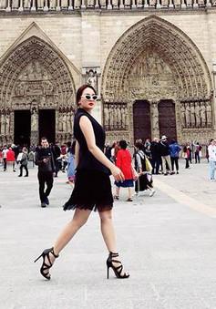 Bảo Thanh ăn mặc cực sành điệu trên đường phố Paris