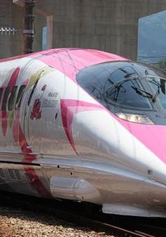 Mê mẩn với tàu cao tốc Hello Kitty siêu dễ thương ở Nhật Bản