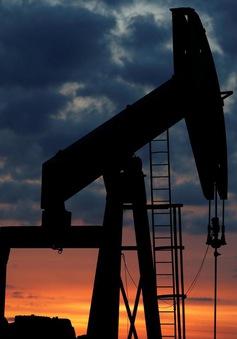 Giá dầu tăng mạnh trước lệnh trừng phạt của Mỹ với Iran