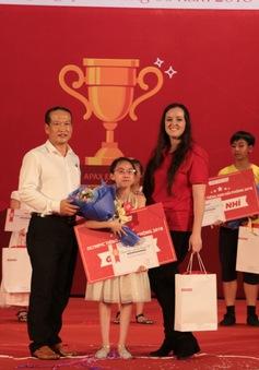 Cô bé 11 tuổi giành giải Nhất Olympic tiếng Anh tại Hải Phòng