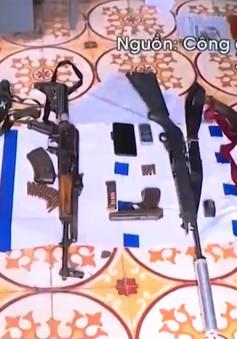 Thu giữ số lượng lớn vũ khí quân dụng tại nhà trùm ma túy ở Lóng Luông, Sơn La