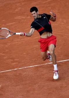 Djokovic đoạt vé vào tứ kết Pháp mở rộng 2018