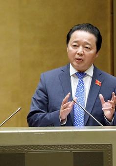Bộ trưởng Bộ Tài nguyên và Môi trường Trần Hồng Hà trả lời chất vấn