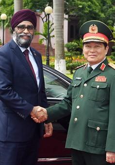 Hợp tác quốc phòng Việt Nam – Canada