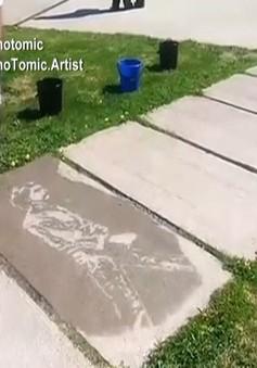 Những tác phẩm nghệ thuật chỉ hiện ra khi bị…ướt
