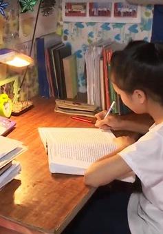 Nỗ lực học tập của cô gái mồ côi