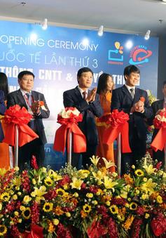 Không khí nhộn nhịp trong ngày khai mạc Vietnam ICT COMM 2018