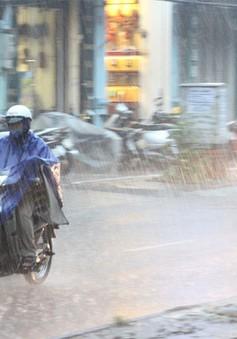 Mưa giông tiếp tục xuất hiện tại các tỉnh Thanh Hóa và Nghệ An