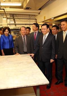 Phó Thủ tướng Vương Đình Huệ thăm nơi lưu niệm Chủ tịch Hồ Chí Minh tại Boston