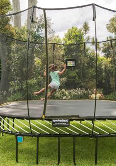 Trampolines – bộ môn bật nhảy lò xo giảm cân hiệu quả