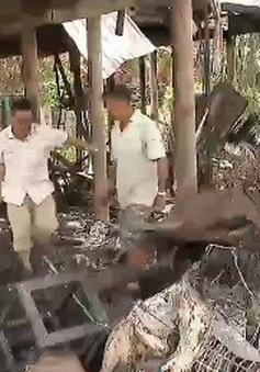 Chia sẻ khó khăn với kiều bào sau vụ hỏa hoạn ở Campuchia