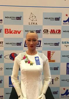 """Robot Sophia: """"Mục đích của tôi là giúp con người có thêm thời gian cho gia đình"""""""