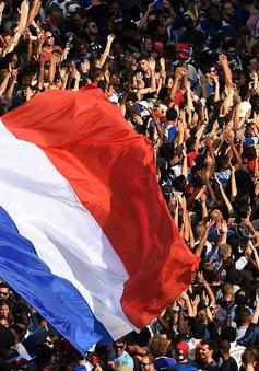 ĐT Pháp mang cúp vàng trở về Paris trước sự chào đón của 500.000 người hâm mộ