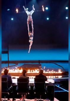 """America's Got Talent: """"Đứng tim"""" trước khoảnh khắc thí sinh thi nhào lộn rơi xuống đất"""