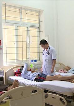 Hà Tĩnh: 4 người nhập viện nghi do ăn nấm độc