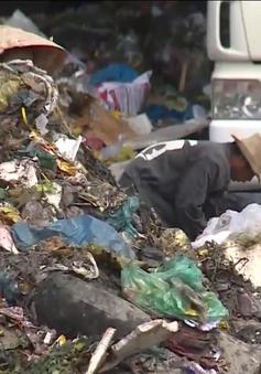 TP.HCM: Người dân khốn khổ sống cạnh bô rác tạm gần 20 năm