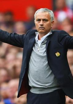 Cẩn thận khi chỉ trích, vì Mourinho vẫn là Người đặc biệt